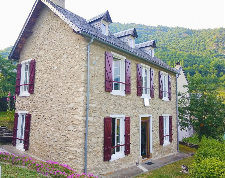 Character house XIX century close to the ski resort of St lary