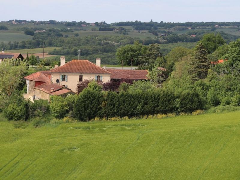 Handsome Maison de Maitre set on the outskirts of a rural village